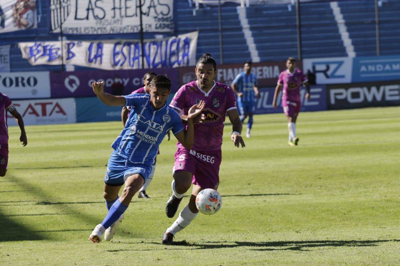 Futbol, Godoy Cruz 2- Arsenal 3