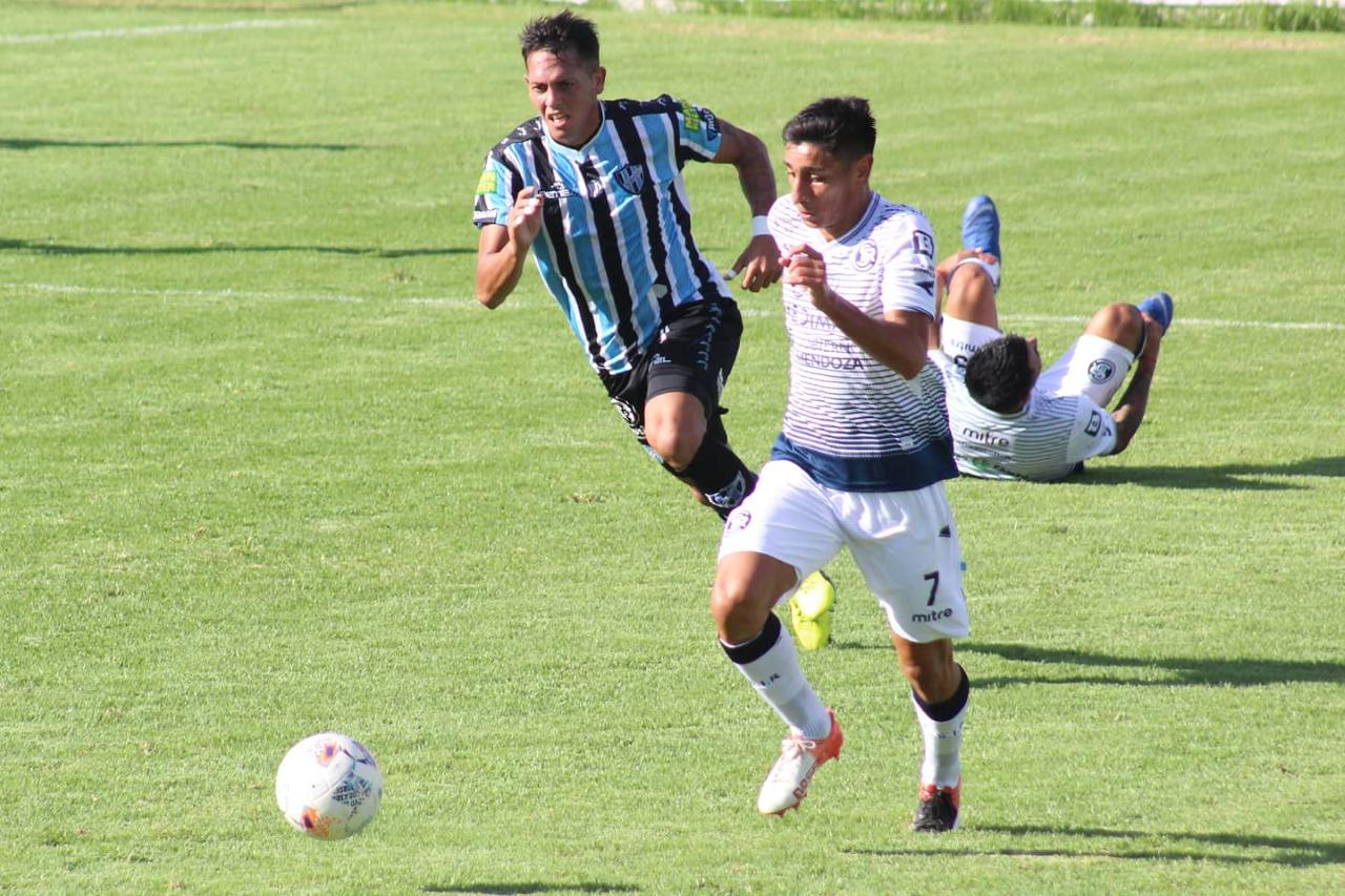 La Lepra, puntero e invicto, 2 a 0 a Almagro