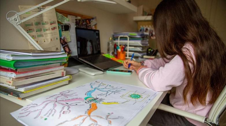 niños dibujo taller