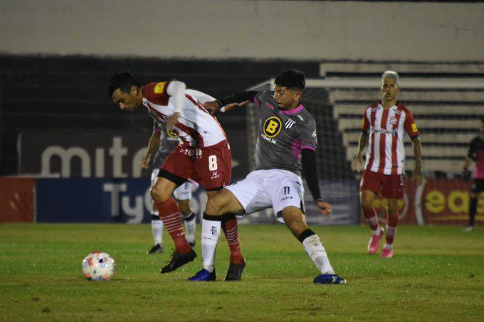 Ascenso, Gimnasia y Esgrima de Mendoza 0- San Martín de Tucumán 0