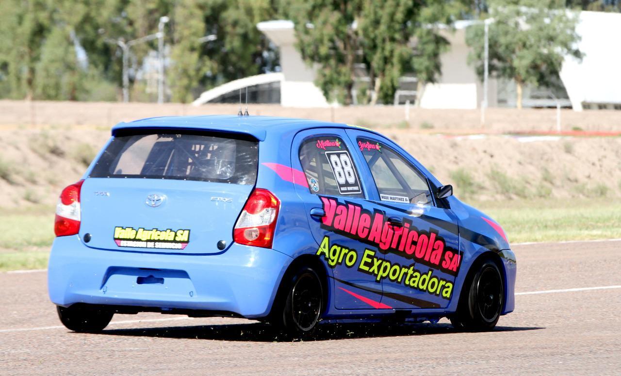 Auto de Maxi Martinez en el gran premio Vendimia